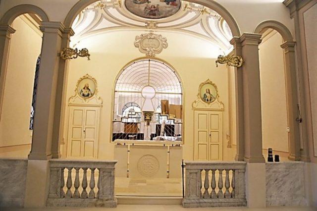kamniti amboni za cerkve