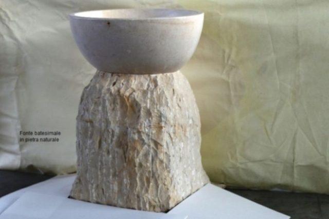 krstna pisava iz kamna