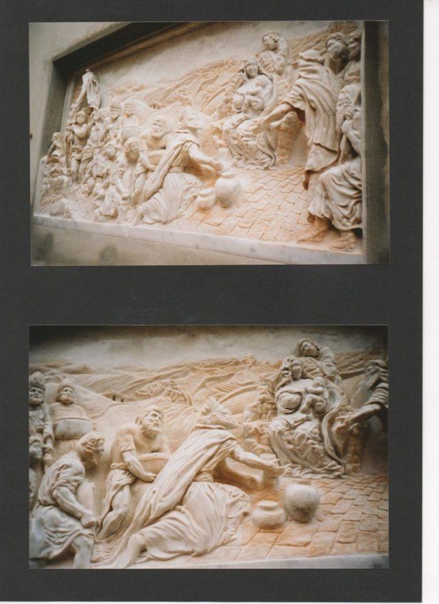 Rzeźby na ołtarzu z marmuru