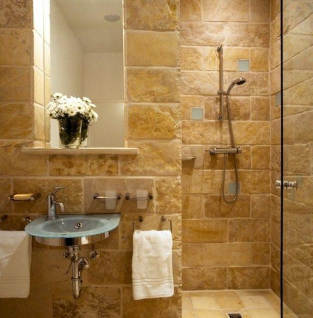 Wandfliesen für Badezimmer aus Stein
