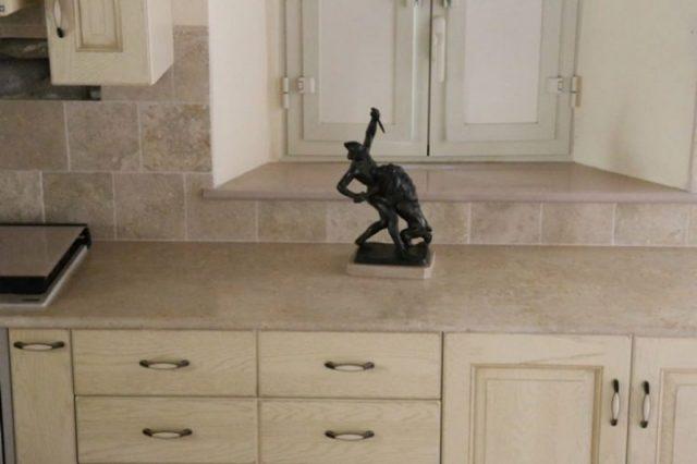 kuhinjski pult iz kamna