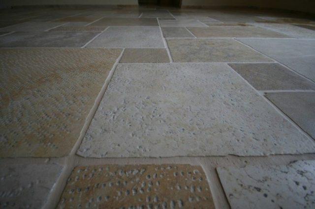 Stein für Fußbodenheizung