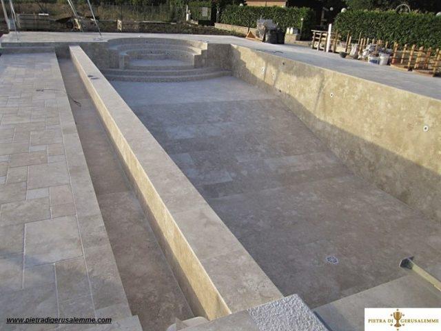 Rivestimento piscine in sasso