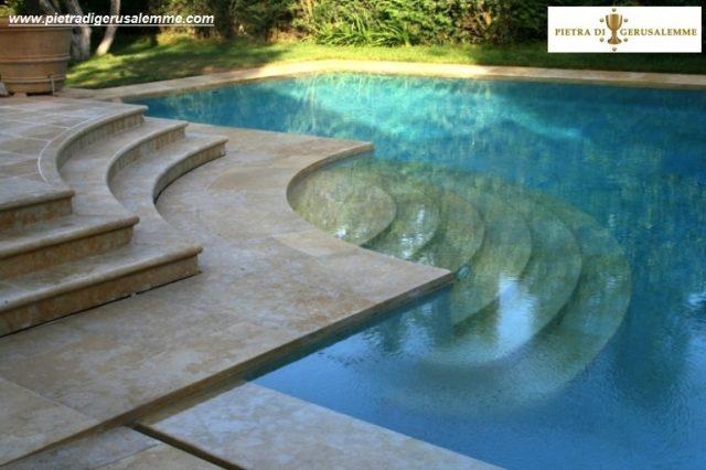 Scala romana per piscine in pietra
